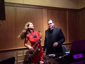 Saxophonistin Ines Weber beim Soundcheck