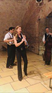 Musiktrio mit Klarinette und Kontrabass